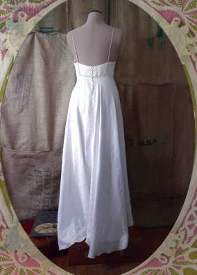 Underdress vintage linen and cotton. Dye it and wear it again. {back}